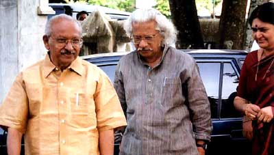 Yesudasan with renowned filmmaker Shri Adoor Gopalakrishnan on March 23, 2003 during the launch of Design & People.